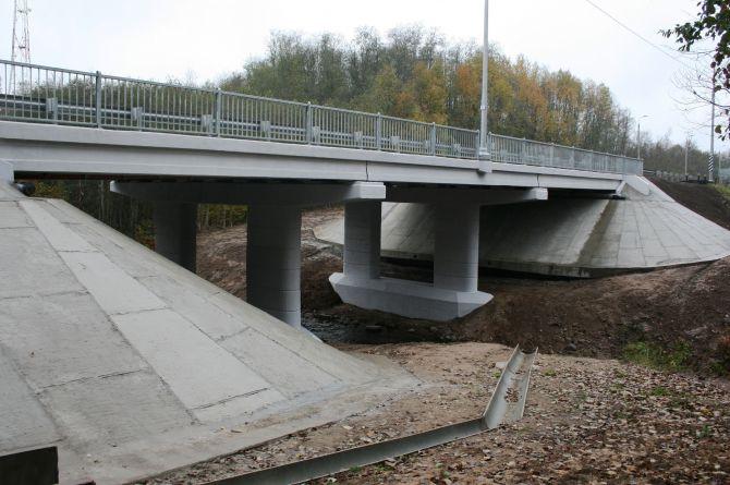 Отремонтирован мост через реку Кебь на автодороге Р-23 в Псковской области