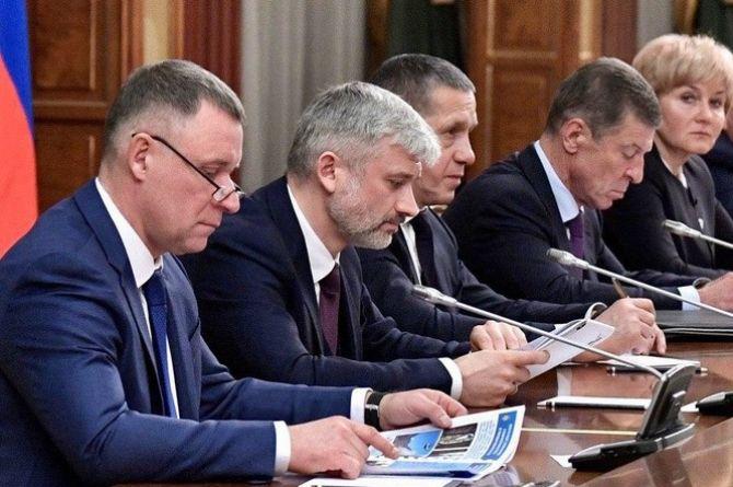Правительство РФ в полном составе ушло в отставку