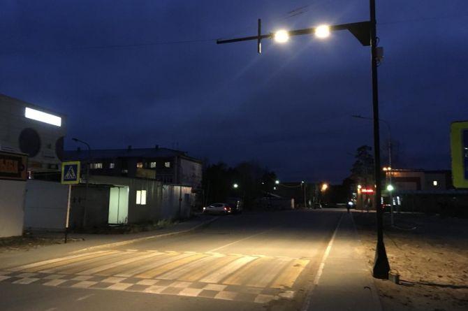 В Сургуте установили инновационные опоры с подсветкой