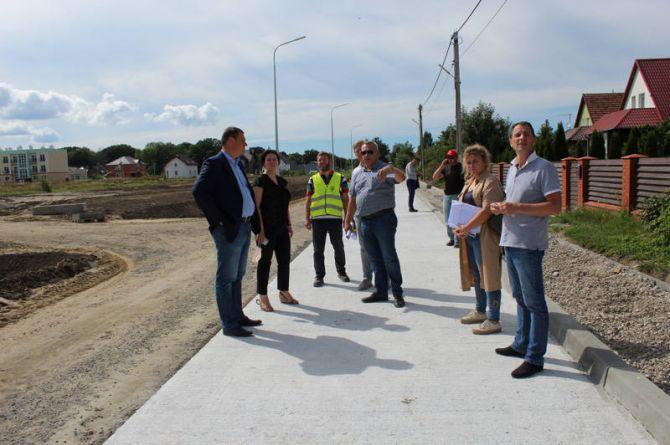 В Калининградской области начали строить дороги с фибробетоном