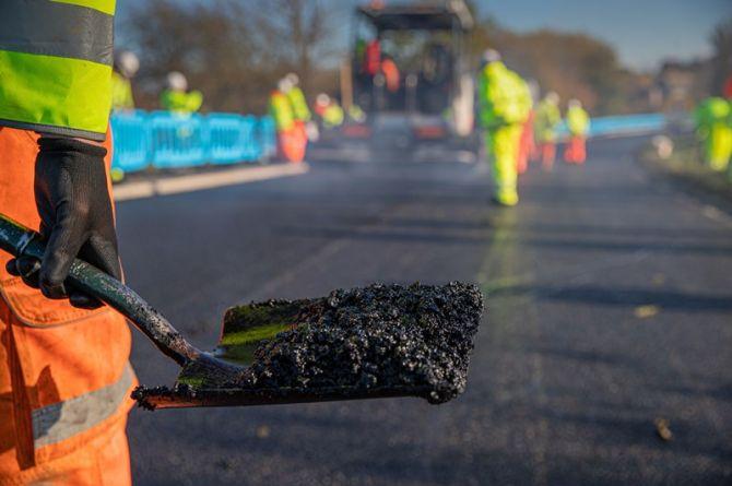 В Англии начали строить дороги из асфальта с графеном. В России такой метод использовали при строительстве М-4 «Дон»