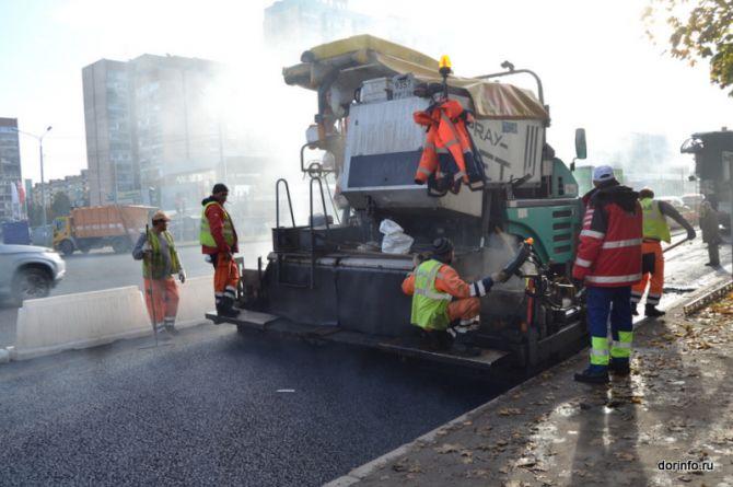 Что нам стоит победить колейность? В Петербурге обсудили проблемы строительства дорог