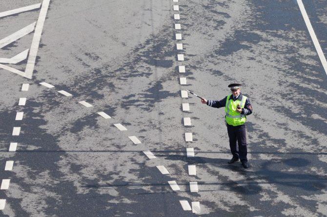 ГИБДД будут снова контролировать установку дорожных знаков и светофоров
