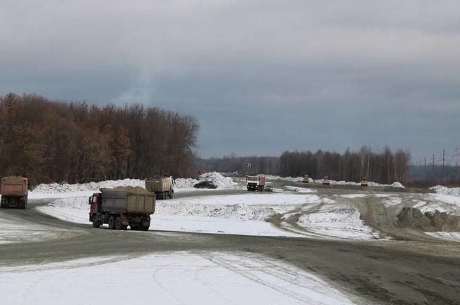 В Брянске строят дамбу и автодорогу за 3 миллиарда рублей