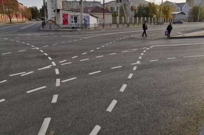 Странная разметка появилась на кольцевом пересечении в Астрахани