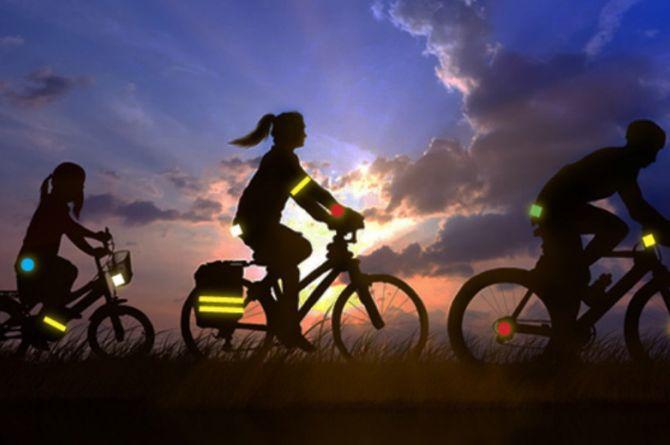 Велосипедистов обяжут носить световозвращающие элементы