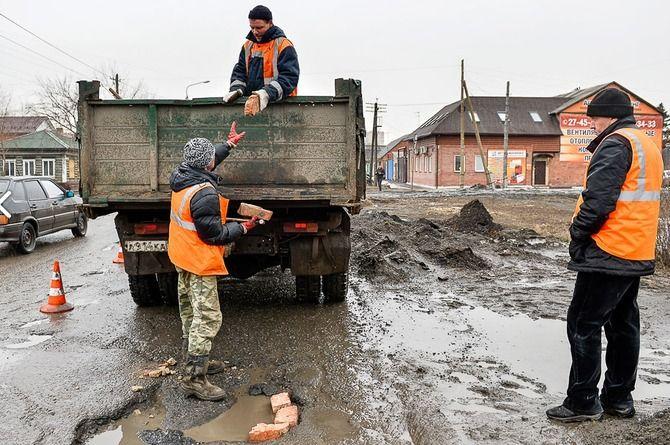 Омская прокуратура требует взыскать штраф с подрядчика, провалившего ремонт по нацпроекту