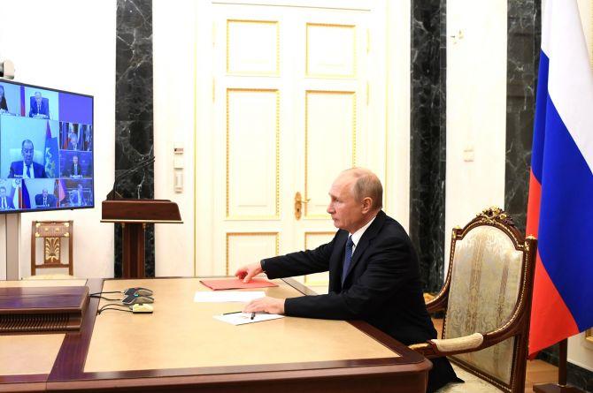 Путин отправил в отставку Евгения Дитриха, новым главой Минтранса станет Виталий Савельев