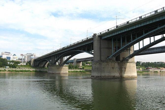 В Новосибирске отремонтируют самый старый мост через Обь