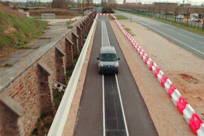 В Швеции успешно протестировали дорогу для зарядки электромобилей