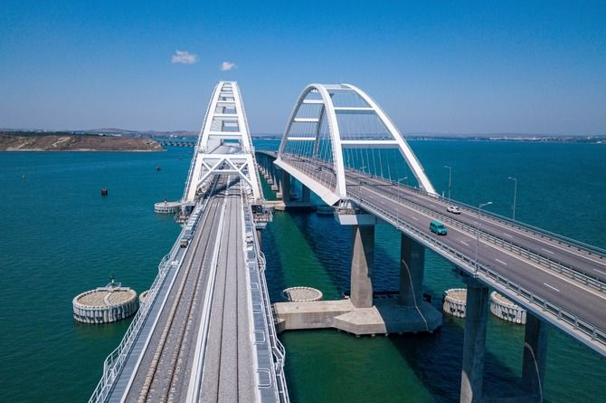 Росавтодор будет выдавать разрешения на строительство и ввод в эксплуатацию Крымского моста