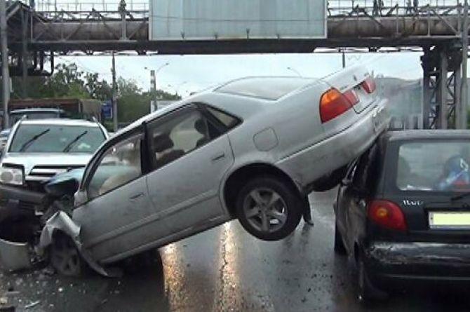 Дело не в плохих дорогах: в ГИБДД озвучили главную причину ДТП в России