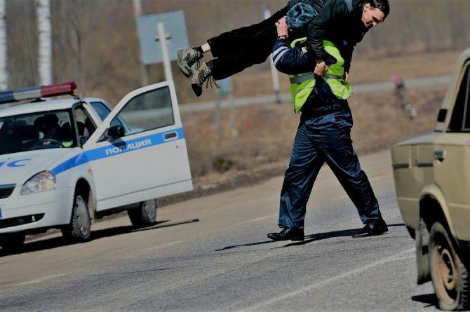 Исследование: чаще всего ПДД нарушают таксисты, женщины и силовики
