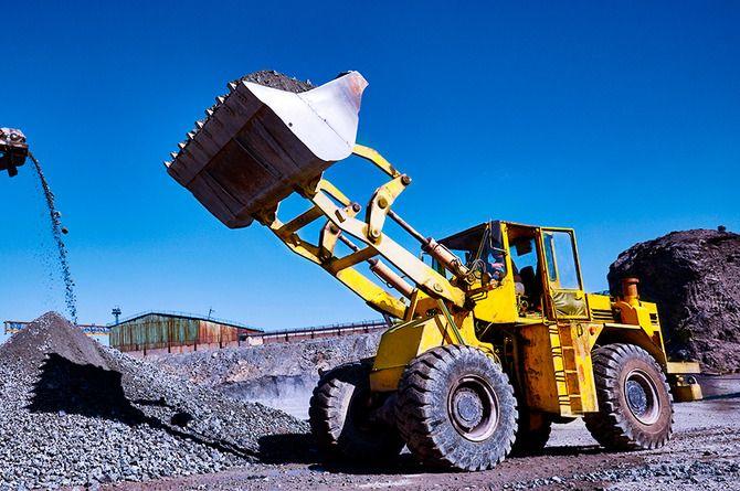 Резидент центра «Сколково» предложил дешёвый материал для сельских дорог