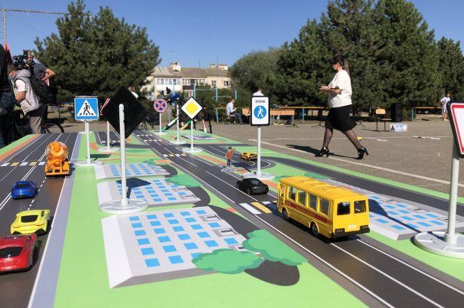 В Ставропольском крае запустили передвижную лабораторию дорожной безопасности для детей