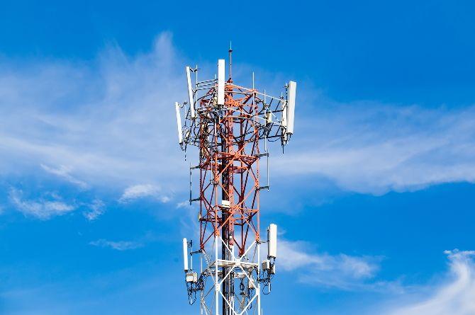 Трассу М-11 «Нева» целиком обеспечили сотовой связью