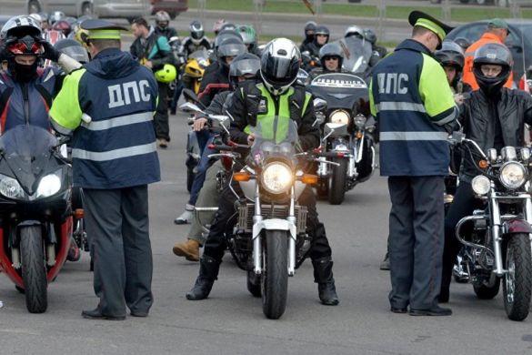 «Не предлагается ничего сверхъестественного»: в ГИБДД поддержали проект изменений в ПДД для мотоциклистов