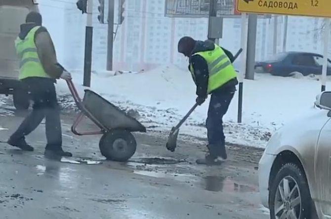 Ложная тревога: укладка асфальта под дождём в Оренбурге оказалась экспериментом дорожников