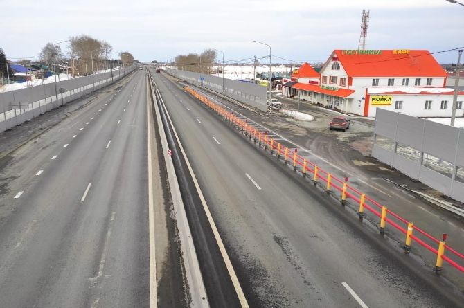 На трассе Р-351 «Екатеринбург – Тюмень» появились композитные разграничители движения
