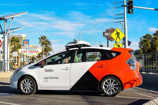 Беспилотный автомобиль Яндекса снова проехал по Лас-Вегасу без инженера в кабине