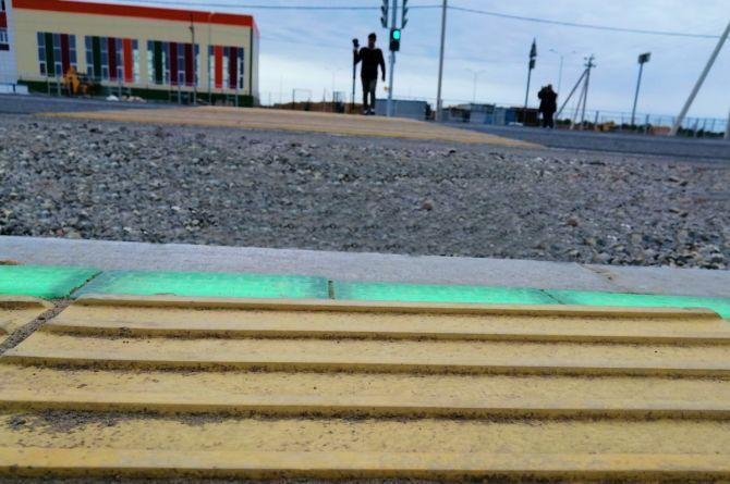 В Астрахани используют «умные» светофоры и «подмигивающие» знаки