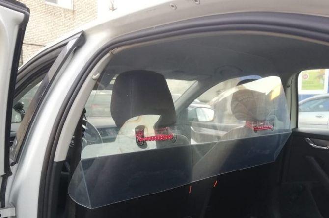 В Петербурге запустили бесплатное такси для больных коронавирусом