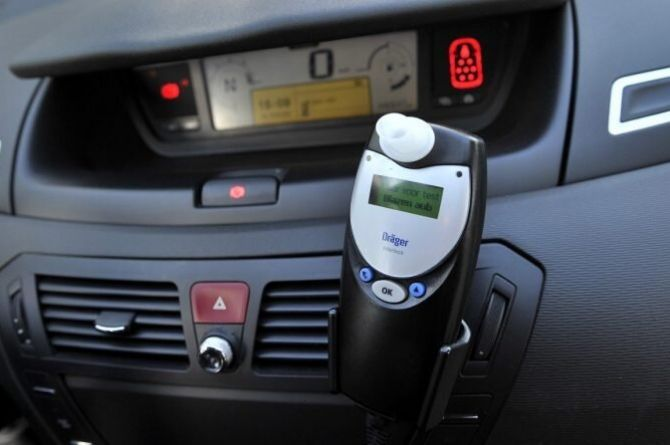 В России планируют установить алкозамки на машины водителей, пойманных пьяными за рулём