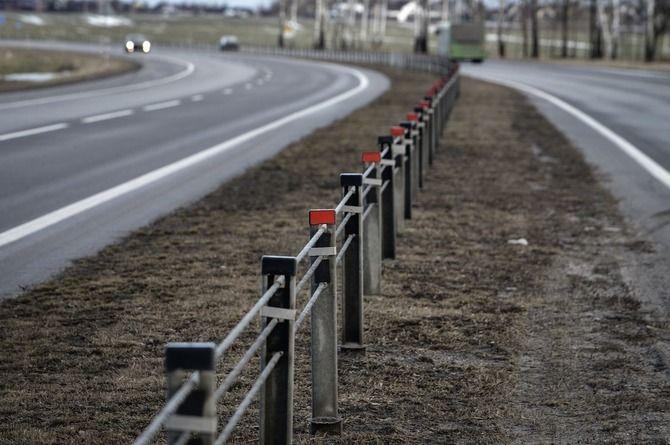 В Подмосковье впервые в России установили тросовую барьерку на двухполосных дорогах