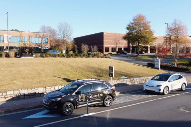 В американском пригороде Пичтри Корнерс открыли дорогу на солнечных батареях