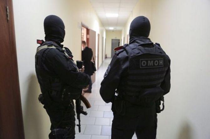 В Екатеринбурге ФСБ пришло с обыском к местным дорожникам