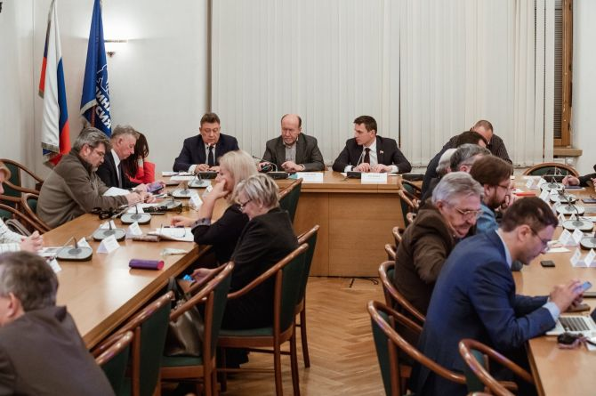 Польза или вред? В Госдуме обсудили ограничения по использованию шипованной резины