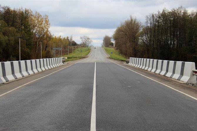 Закончен капитальный ремонт моста через реку Харасея в Курской области