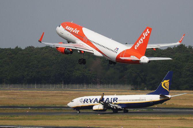 Запрет международных полётов продлён до августа