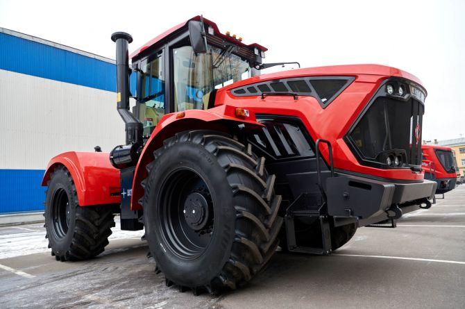 В Петербурге начнут серийно выпускать беспилотные тракторы