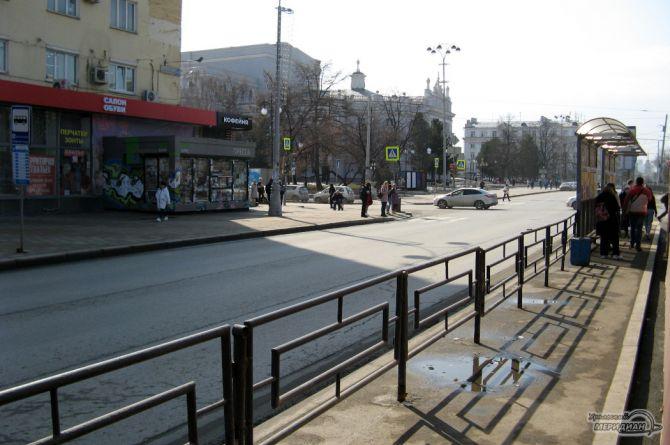 В Екатеринбурге уберут заборы около дорог