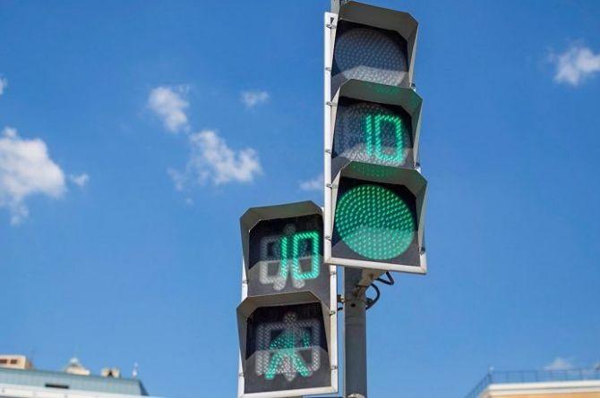 «ГЛОНАСС» создал мобильное приложение для управления сигналом светофора