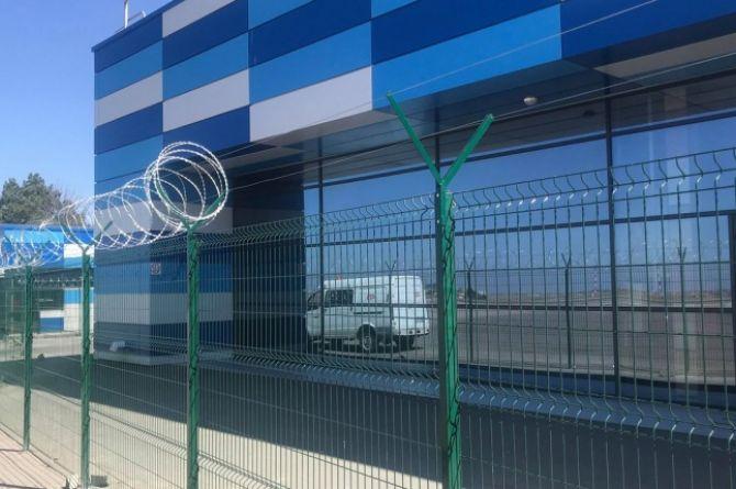 Попытка номер два: аэропорт Симферополя снова ищет подрядчика для установки заборов и камер