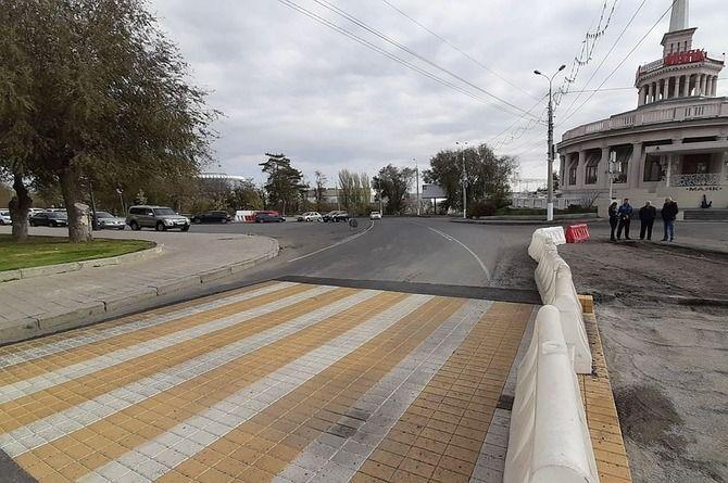 Экспериментальная «зебра» из вибропрессованной брусчатки появилась в Волгограде