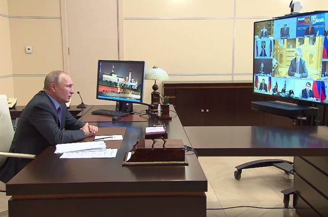 Путин: бесперебойная работа транспорта для сообщения регионов — стратегическая задача